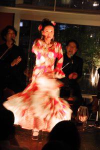 大阪中之島フラメンコイベントでアレグリアスを踊るプライベートレッスン生徒の写真