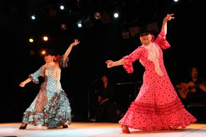 大阪梅田フラメンコ教室発表会でガロティンを踊るセミプライベートレッスンの生徒