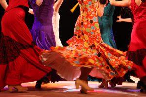 大阪梅田フラメンコ教室発表会でセビジャーナスを踊る生徒の足元写真