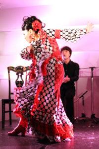 大阪京橋フラメンコライブでガロティンを踊るフラメンコ舞踊家岡島久子の写真