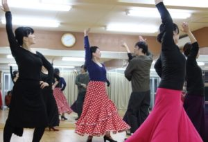 岡島久子フラメンコ教室大阪校の初心者クラスレッスンの模様