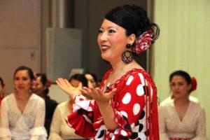 大阪天満橋フラメンコイベントで講習する岡島久子の写真