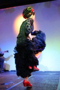 大阪梅田フラメンコライブでアレグリアスを踊る岡島久子