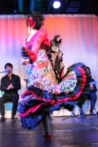 大阪梅田グランフロント大阪フラメンコライブでタンゴを踊る岡島久子の写真