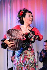 大阪梅田フラメンコライブでタンゴを踊る岡島久子