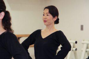 岡島久子フラメンコ教室枚方校の初心者クラスレッスン風景