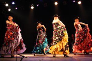 岡島久子フラメンコ教室発表会@大阪梅田でグアヒーラを踊る経験者クラス生徒の写真