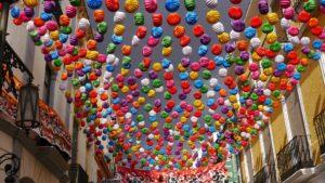 スペイン・ロンダのフィエスタの街並み