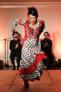 フラメンコ夏の宴2019@大阪中之島でアレグリアスを踊るフラメンコ舞踊家岡島久子の写真