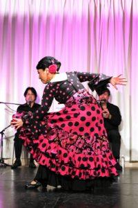 大阪天満橋フラメンコライブでアレグリアスを踊るフラメンコダンサー岡島久子の写真
