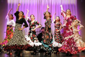 岡島久子フラメンコ教室感謝祭@大阪天満橋でセビジャーナスを踊る生徒の写真