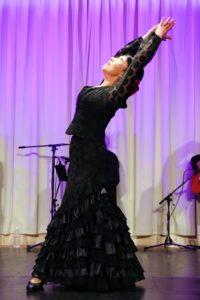 大阪天満橋フラメンコライブでソレアを踊るフラメンコ舞踊家岡島久子の写真